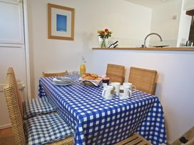 Bumblebee Cottage - Devon - 995285 - thumbnail photo 7