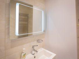 Main Top Apartment - Devon - 995602 - thumbnail photo 14