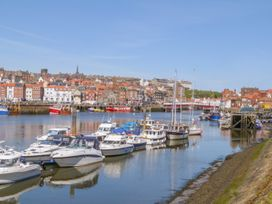 But `n' Ben - Whitby & North Yorkshire - 996037 - thumbnail photo 19