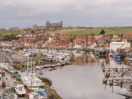 But `n' Ben - Whitby & North Yorkshire - 996037 - thumbnail photo 20
