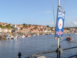 But `n' Ben - Whitby & North Yorkshire - 996037 - thumbnail photo 21