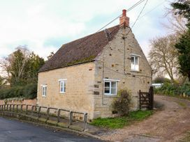 Manor Farm House Cottage - Central England - 996090 - thumbnail photo 1