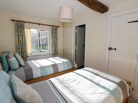 The Hideaway - Cotswolds - 996204 - thumbnail photo 10