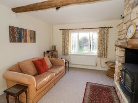 The Hideaway - Cotswolds - 996204 - thumbnail photo 6