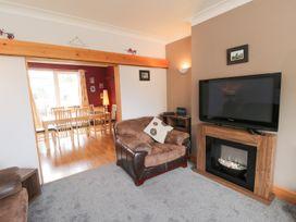 53 Burniston Road - Whitby & North Yorkshire - 996330 - thumbnail photo 2