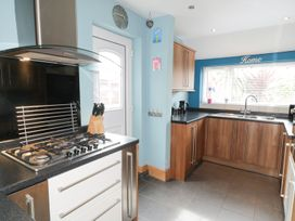 53 Burniston Road - Whitby & North Yorkshire - 996330 - thumbnail photo 6