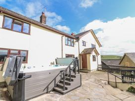 6 bedroom Cottage for rent in Knighton