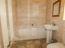 The Tack Rooms - Whitby & North Yorkshire - 996874 - thumbnail photo 16