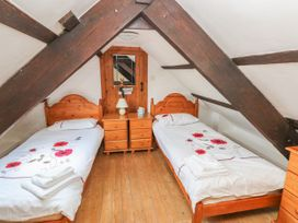 Bluebell Cottage - South Wales - 997061 - thumbnail photo 12