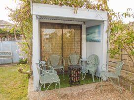 32 Cranleigh Close - Dorset - 997076 - thumbnail photo 14
