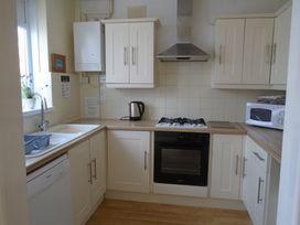 32 Cranleigh Close - Dorset - 997076 - thumbnail photo 5