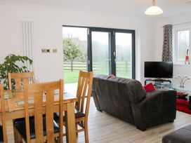 Rock View Cottage - Mid Wales - 997199 - thumbnail photo 4