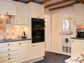 Cream Door Cottage - Cotswolds - 997700 - thumbnail photo 15