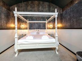 All Saints Room - Lake District - 997756 - thumbnail photo 44