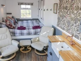 Lady Bird Retreat - Whitby & North Yorkshire - 998292 - thumbnail photo 6