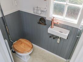 Lady Bird Retreat - Whitby & North Yorkshire - 998292 - thumbnail photo 11