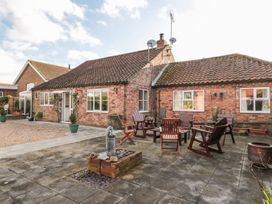 Butterfly Cottage - Whitby & North Yorkshire - 998561 - thumbnail photo 1