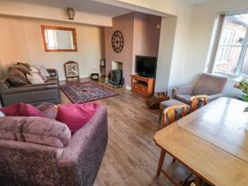 Butterfly Cottage - Whitby & North Yorkshire - 998561 - thumbnail photo 3