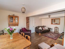 Butterfly Cottage - Whitby & North Yorkshire - 998561 - thumbnail photo 5