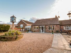 Butterfly Cottage - Whitby & North Yorkshire - 998561 - thumbnail photo 2