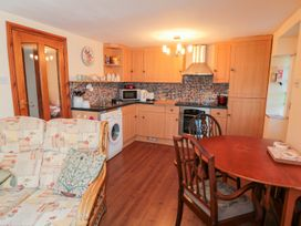 Rose Tree Cottage - North Yorkshire (incl. Whitby) - 998822 - thumbnail photo 4