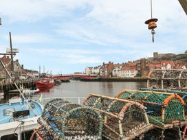 The Surfers Bolt Hole - Whitby & North Yorkshire - 998830 - thumbnail photo 25