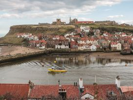 The Surfers Bolt Hole - Whitby & North Yorkshire - 998830 - thumbnail photo 26