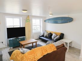 The Surfers Bolt Hole - Whitby & North Yorkshire - 998830 - thumbnail photo 5