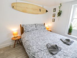 The Surfers Bolt Hole - Whitby & North Yorkshire - 998830 - thumbnail photo 15