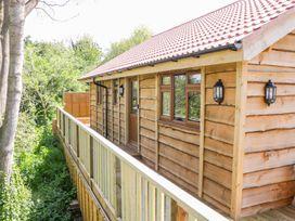 Elm Lodge - Somerset & Wiltshire - 998976 - thumbnail photo 4