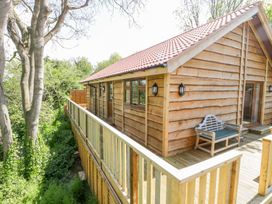 Elm Lodge - Somerset & Wiltshire - 998976 - thumbnail photo 3
