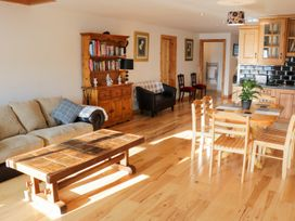 Ballymote Central Apartment - County Sligo - 999023 - thumbnail photo 5