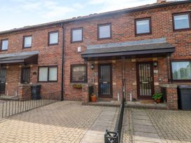 17 Fewster Way - Whitby & North Yorkshire - 999118 - thumbnail photo 1
