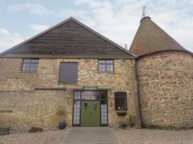 3 bedroom Cottage for rent in Sittingbourne