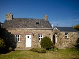 2 bedroom Cottage for rent in Castlemorris