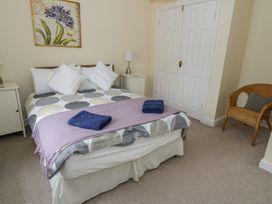 Sant Seiriol - Anglesey - 999235 - thumbnail photo 19