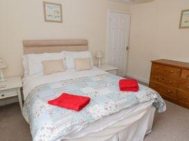 Sant Seiriol - Anglesey - 999235 - thumbnail photo 22