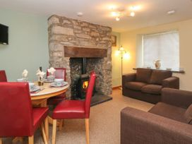 10 Ty Coch Street - North Wales - 999566 - thumbnail photo 2