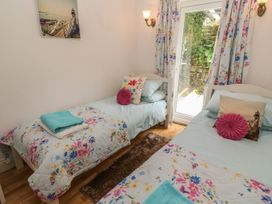 2 Riverside Cottages - Cornwall - 999728 - thumbnail photo 18