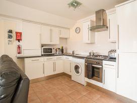 Harbourside Penthouse - Dorset - 999829 - thumbnail photo 6