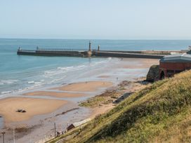 West Cliff Apartment - Whitby & North Yorkshire - 999913 - thumbnail photo 17