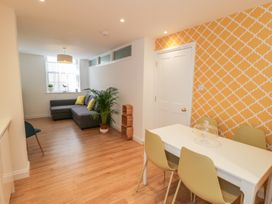 West Cliff Apartment - Whitby & North Yorkshire - 999913 - thumbnail photo 5