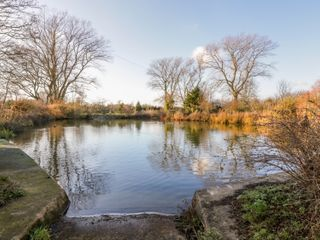 Pond View at Pakefield Hall - 1003025 - photo 2