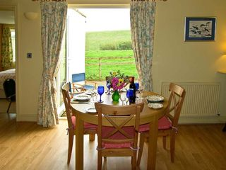 Curlew Cottage - 10045 - photo 5