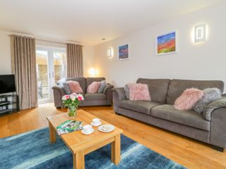 Kings Hill View - 1006781 - photo 4