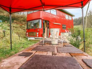 The Red Bus - Winter retreat photo 1