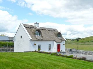 Ballyglass Thatched Cottage - 10139 - photo 12