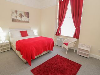 Llys Madoc, First Floor Flat - 1014017 - photo 13
