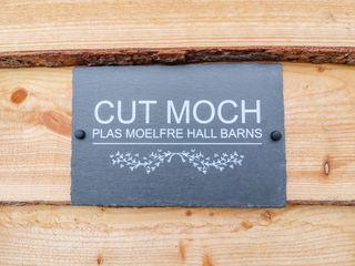 Cut Moch, Plas Moelfre Hall Barns - 1020501 - photo 3