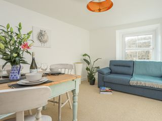Flat 3, The Old Bank - 1021547 - photo 4